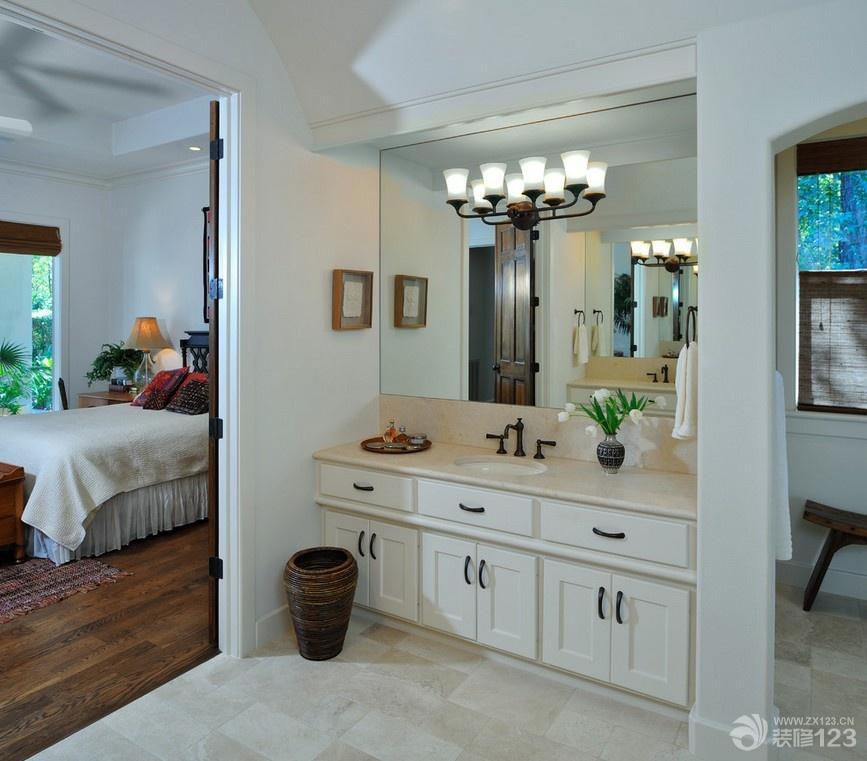 90平米房屋三室一厅两卫卧室小卫生间装修效果图欣赏
