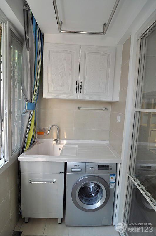 紧凑实用型阳台洗衣机装修样板间效果图片