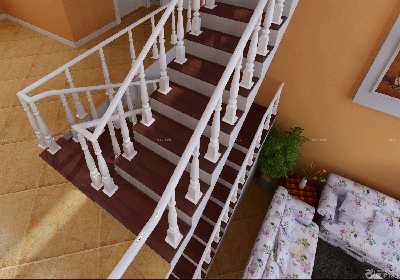 家用木楼梯扶手设计效果图