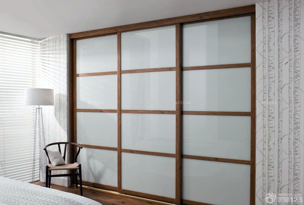 20平米卧室衣柜玻璃门效果图片欣赏