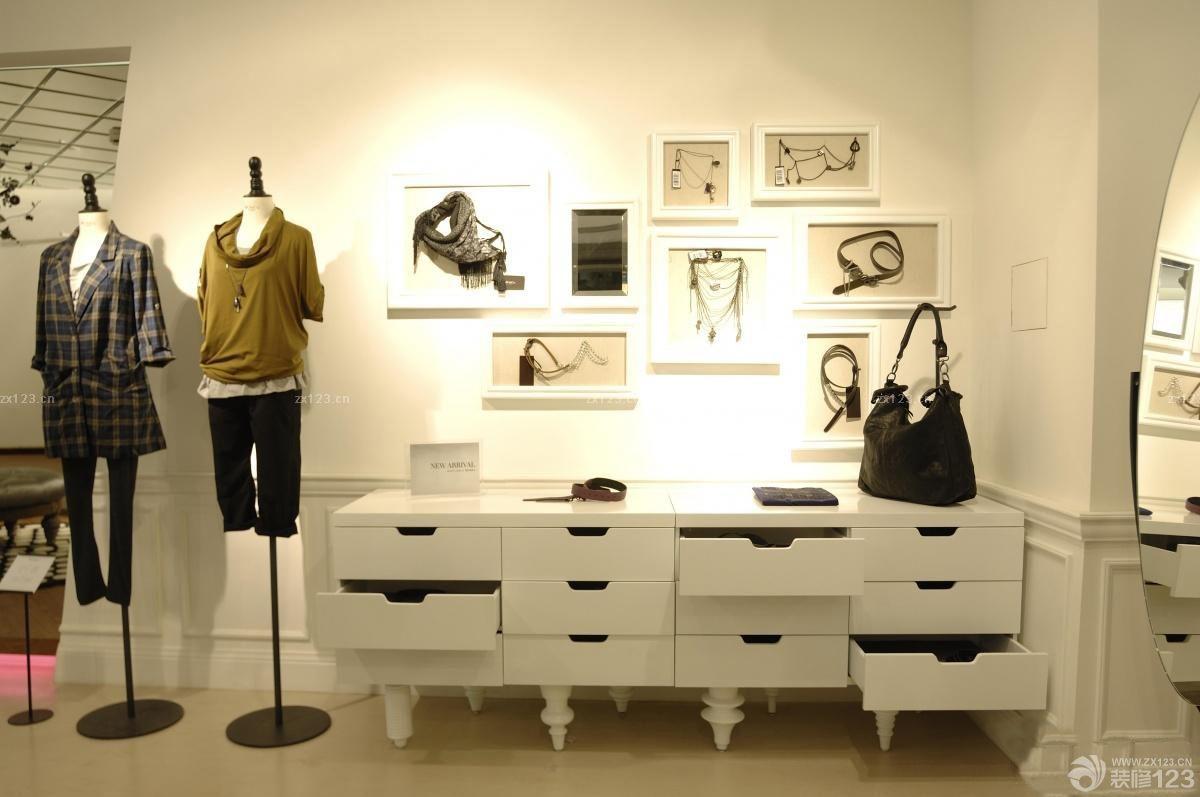 个性小服装店创意照片墙装修效果图欣赏图片