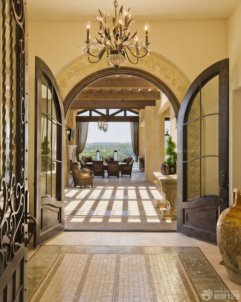 装修效果图 家居设计 新欧式混搭高档休闲会所咖啡色门框装修实景图