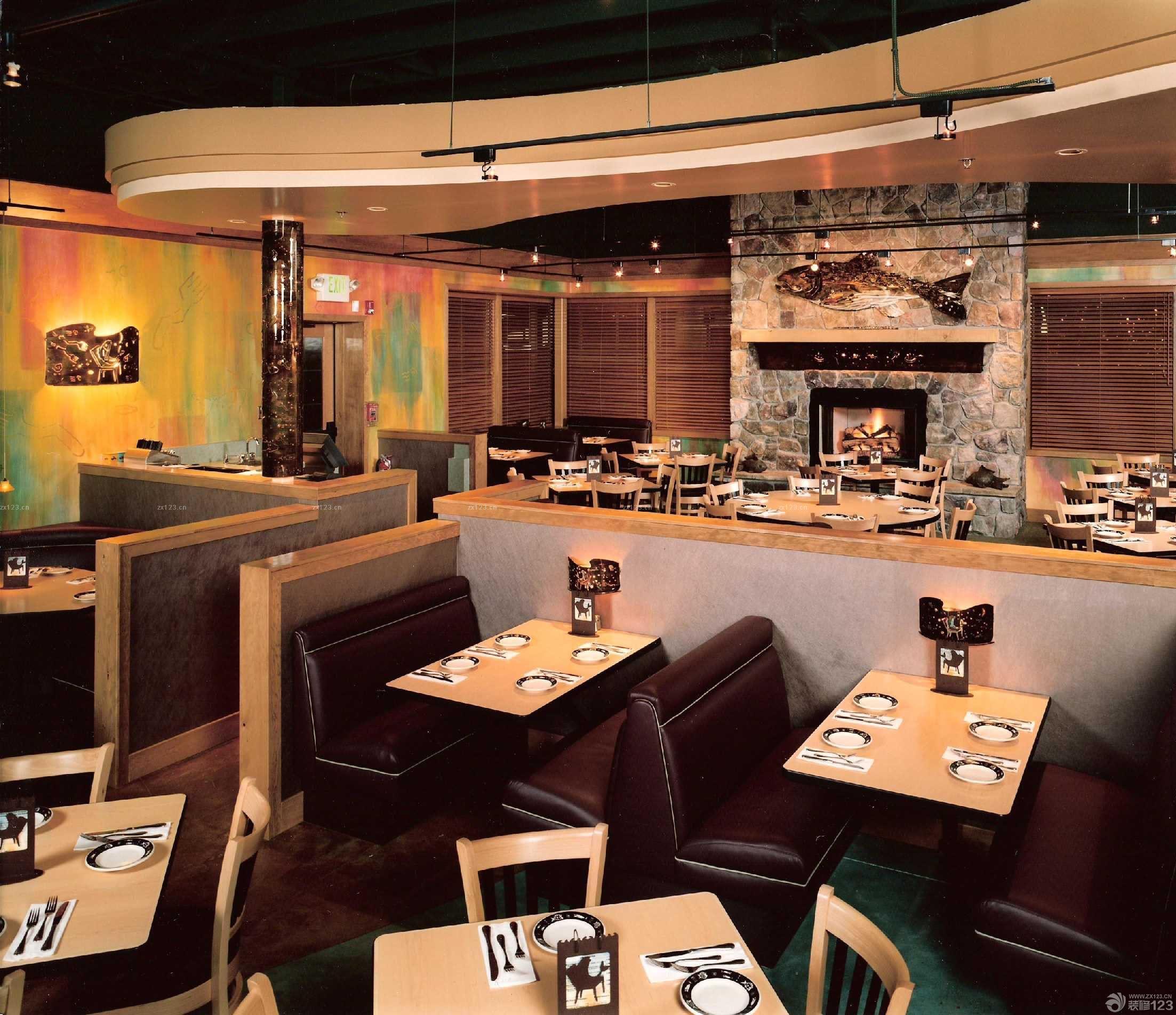 90平方米餐馆木质隔断装修图片欣赏