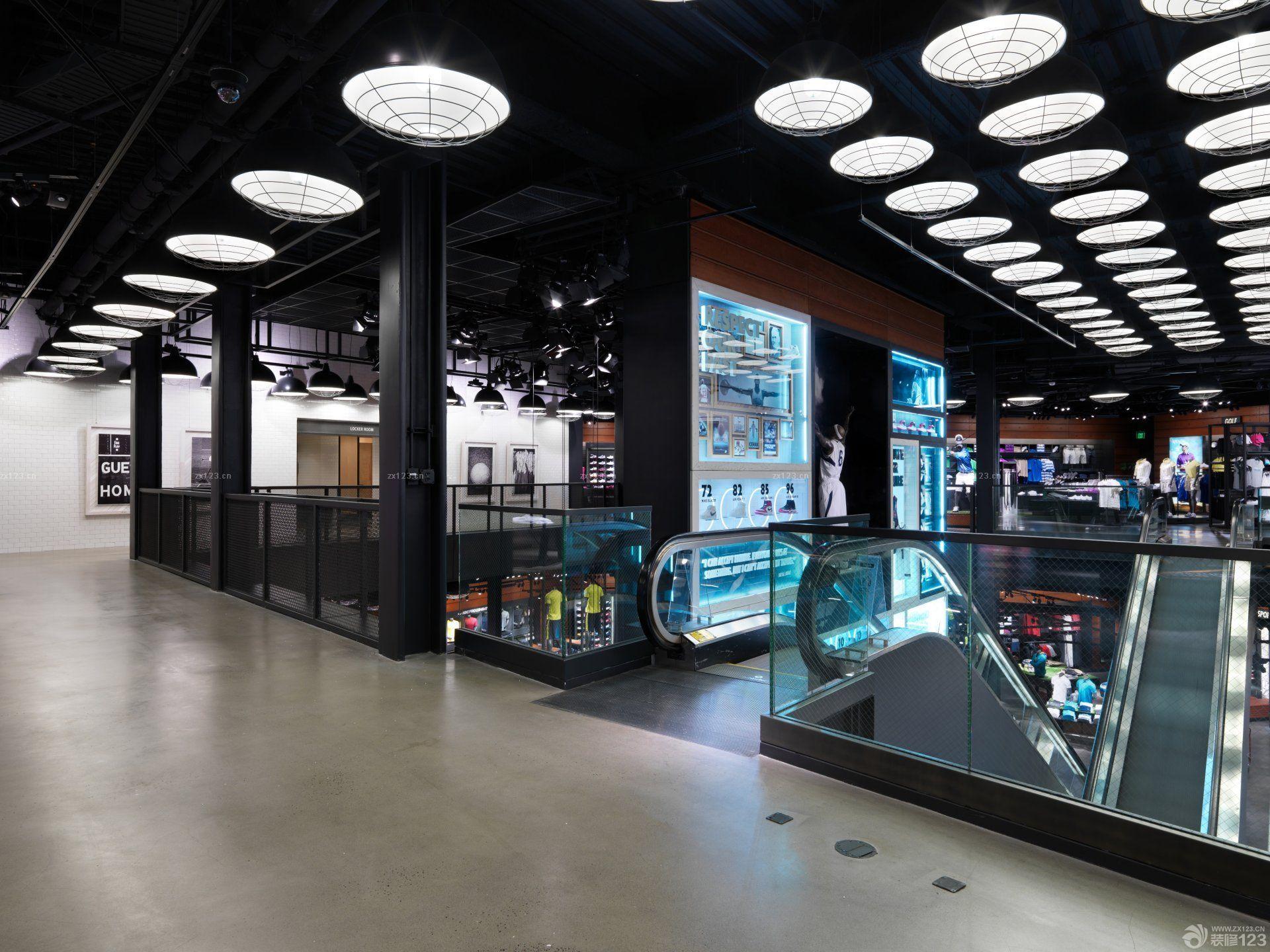 运动鞋店走廊装修